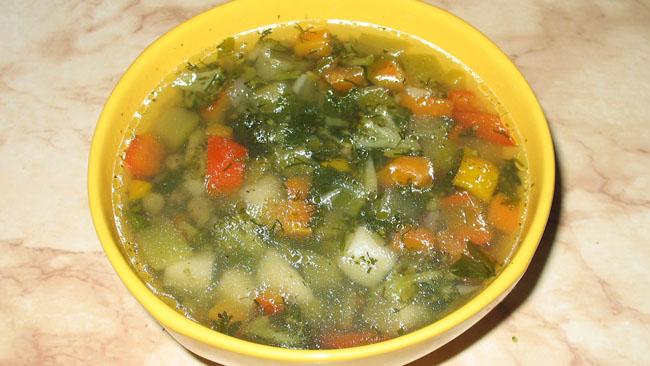 Овощной суп из брокколи и цукини